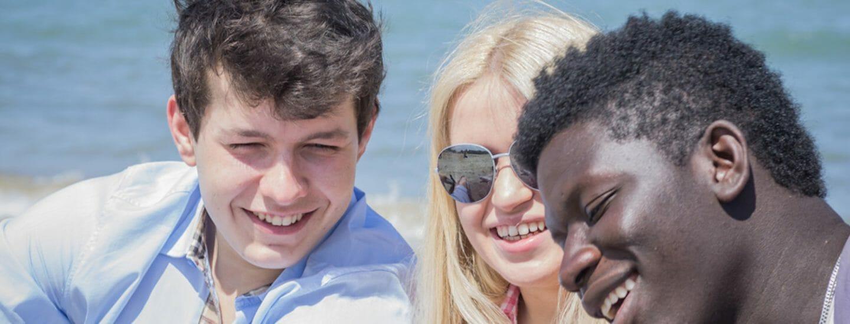 unge mennesker sammenhold i studier