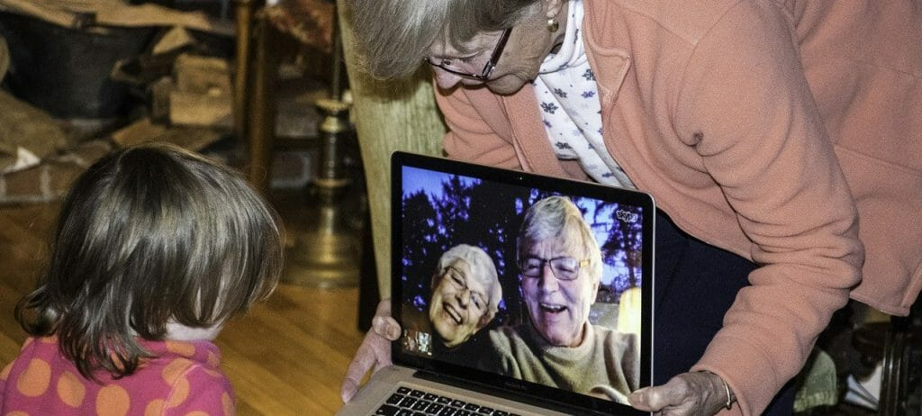 facemtime med bedsteforældre, danes worldwide