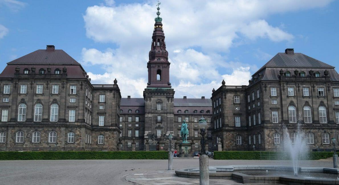 danskere, Christiansborg, hvor vi arbejder med vores mærkesager