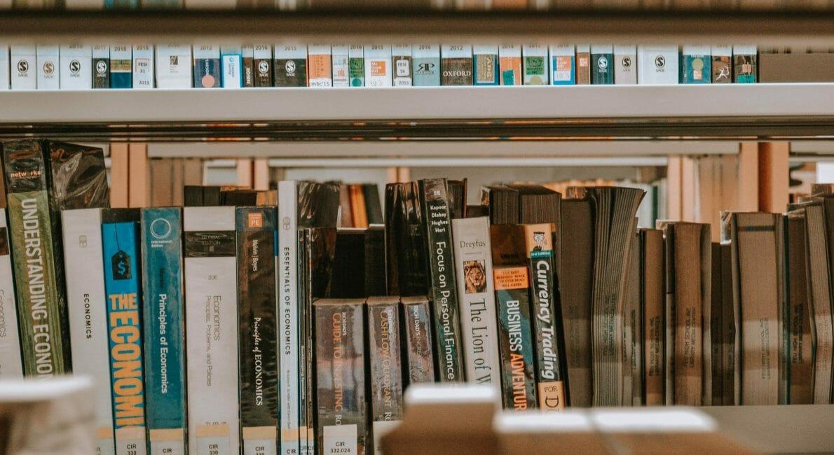 Bøger på et biblotek